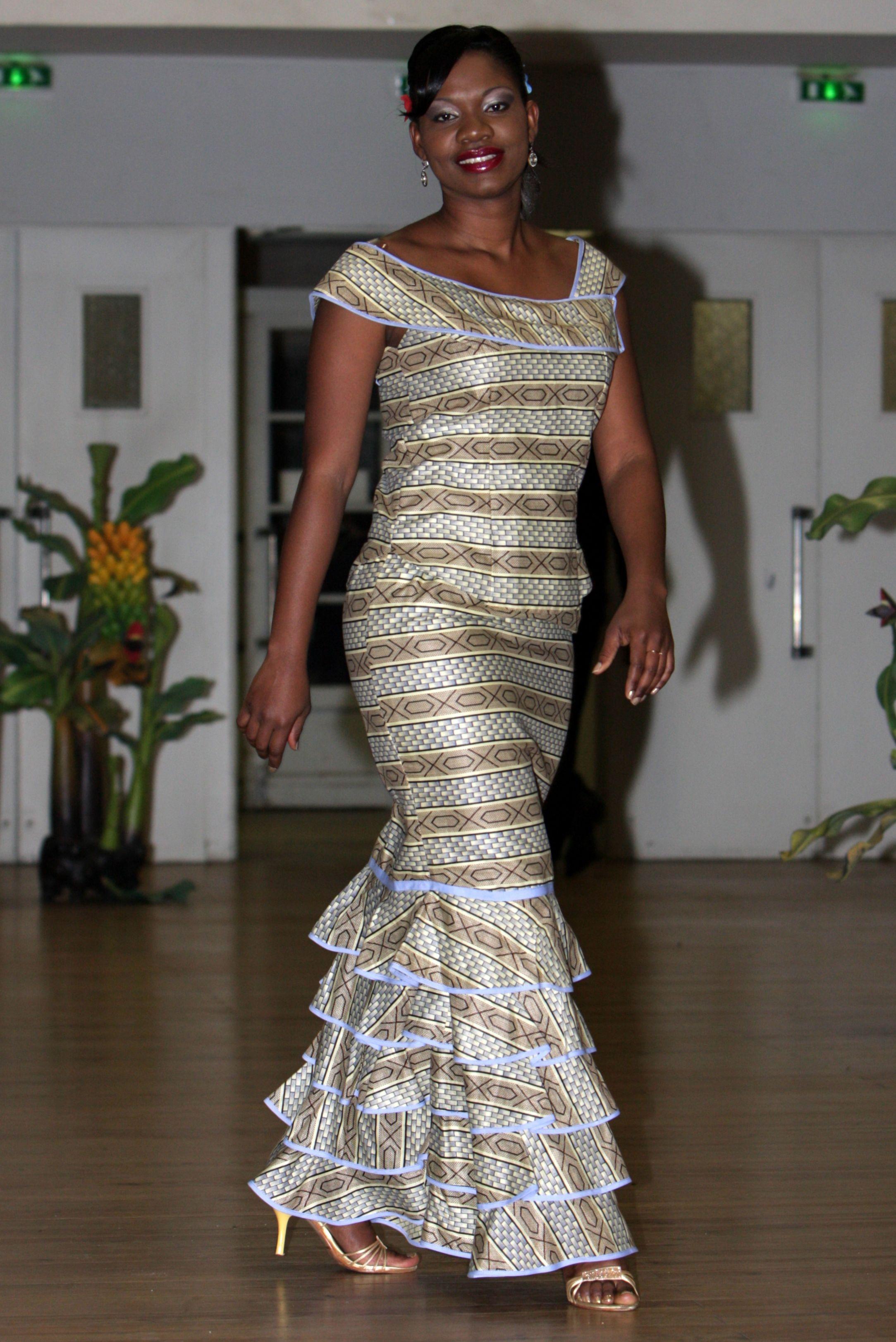model robe africaine wax. Black Bedroom Furniture Sets. Home Design Ideas
